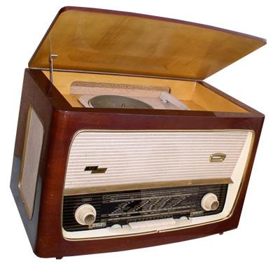 RADIO GRAMOFON ISKRA TRIGLAV 60A TIP RA65