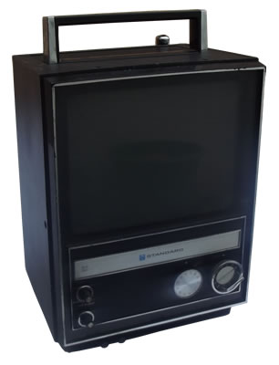 Standard Radio TV set SR-V703