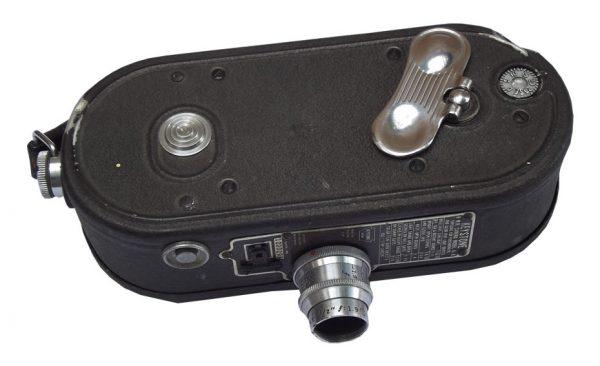 Kamera, model K-8