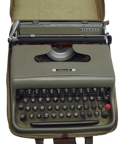 Pisaća mašina tip Lettera 22