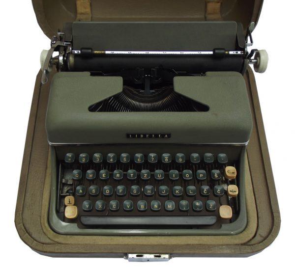 Pisaća mašina Libela