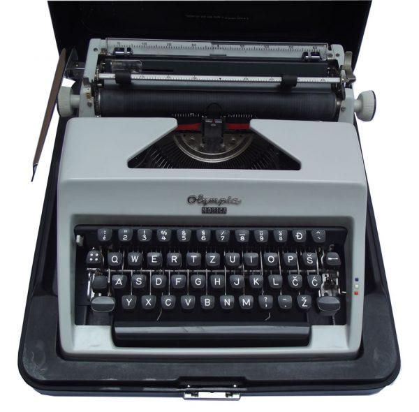 Pisaća mašina Olympia – tip Monica