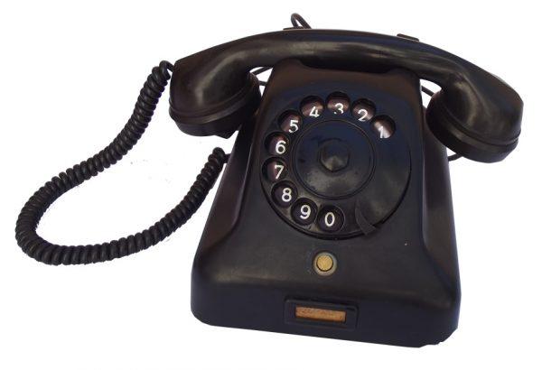 A. Telefon ATA 1